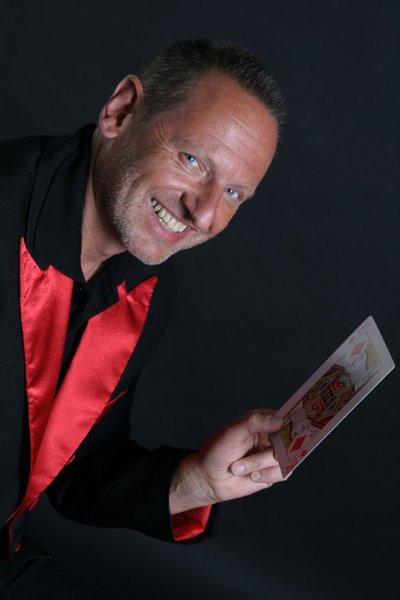 Zauberer für alle Anlässe - Zauberkunst & Comedy mit Zauberer Thomaselli
