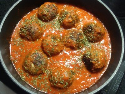 Albondigas con Salsa - Fleischbällchen mit Soße - Tapas calientes