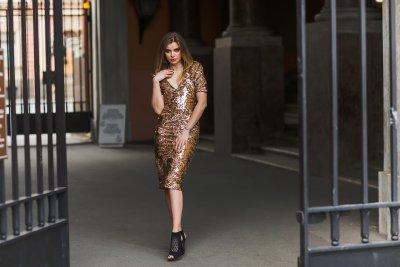» Paillettenkleider – Glitzer und Glamour an Silvester
