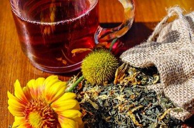 » Die besten Tees gegen Erkältungen und Co.