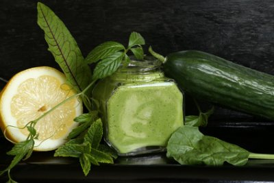 » Limetten-Babyspinat-Kiwi-Smoothie