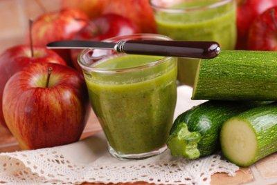 » Ingwer Zucchini Basilikum Smoothie